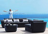 Садовая мебель: диван, кресло и стол